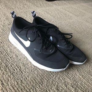 Nike Airmax Thetas size womens US 10